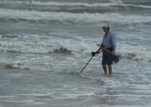 Fernando Albrecht-fala sobre o de contrução como ferros  encontrados na beira da praia