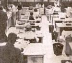 imagem antiga de redação de jornal