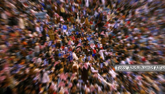 Foto de uma multidão ilustra a maioria silenciosa de que Fernando Albrecht fala