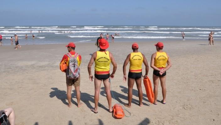 Fernando Albrecht fala sobre os salva-vidas de Capão da Canoa que estão sem guarita