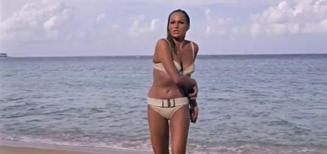Ursula Andres no 007