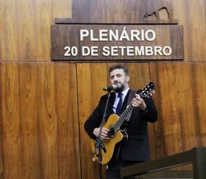 09.04 GE - Violão - Dep Issur Koch - Foto Gustavo Rubert AL (2)